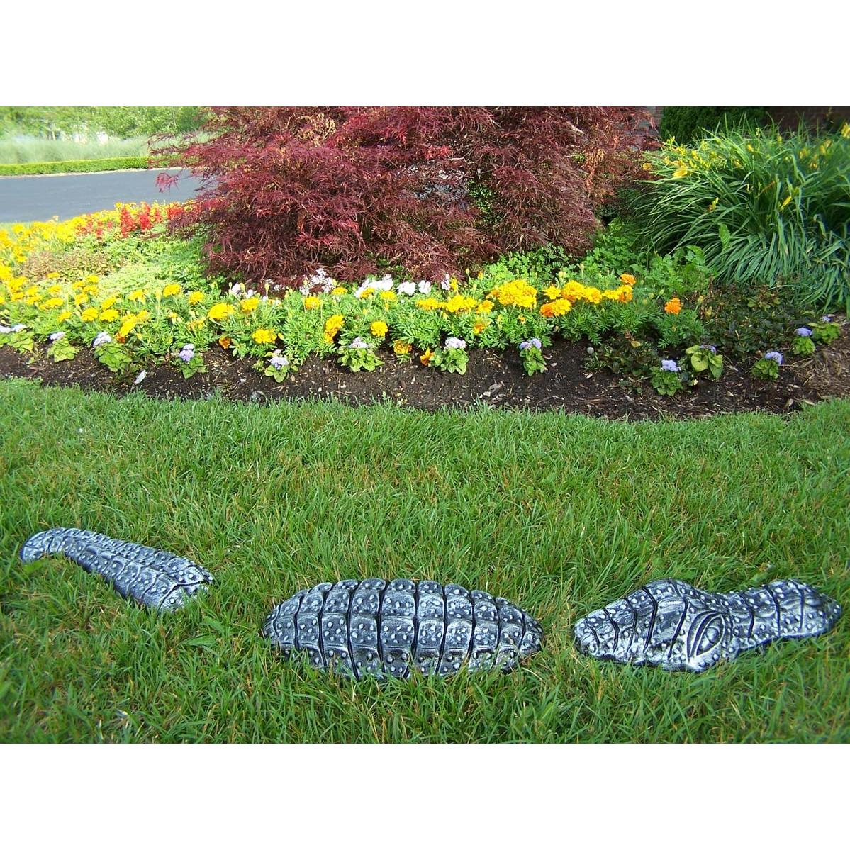 Oakland Living Garden Gator - Antique Pewter
